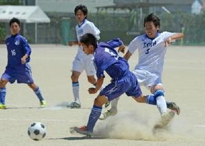 サッカー男子=佐賀市の高志館高