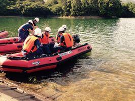 5月の雨季前に行われた舟艇訓練