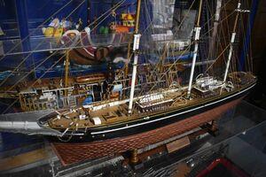完成途中の帆船「カティサーク」=佐賀市成章町の自宅