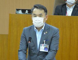 唐津市長選、現職の峰氏が再選出馬へ 市議会で表明