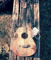 旅とともにある彼のギター