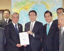 新幹線フル規格、長崎県知事が整備…