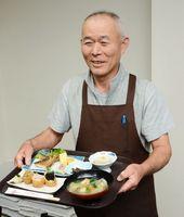 家督屋が提供する祐徳稲荷御膳。クチゾコの唐揚げやノリを使ったいなりずし、だご汁に小鉢2つがついて1080円。