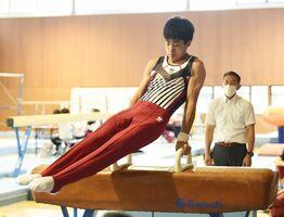 体操男子個人総合で優勝した大和の梅野大地=SAGAサンライズパーク総合体育館