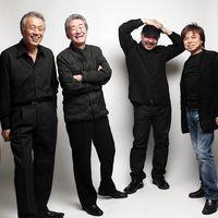 鈴木良雄(左から2人目)とBASE TALKのメンバー