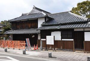 改修工事などのために約2カ月の休館となった下村湖人生家=神埼市千代田町﨑村