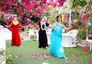 ブーゲンの森でフラダンス 花と踊りの共演、2月1日から