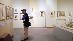 葛飾北斎、喜多川歌麿ら代表絵師の作品120点が並ぶ=唐津市近代図書館美術ホール