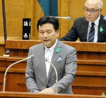 9月定例県議会で県政課題への対応方針などについて説明した山口祥義知事=佐賀県議会