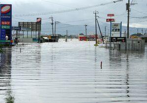 佐賀県内豪雨、9市町避難勧告 鳥…