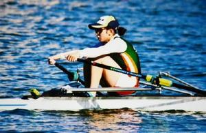 6月の全日本ジュニアボート選手権で奮闘する國元悠衣=熊本県菊池市の斑蛇口湖ボート場