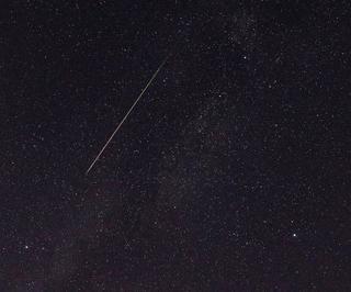 ペルセウス座流星群が出現ピーク