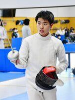 フェンシング男子個人のエペとサーブルで2冠を達成した佐賀商の松本滉希=佐賀市のSAGAサンライズパーク総合体育館フェンシング場