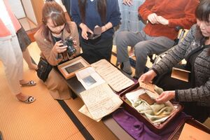 佐賀城本丸歴史館に寄託された佐賀藩士・小出千之助の史料=佐賀市の佐賀城本丸歴史館
