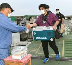 離島で初の一般向け接種、沖縄