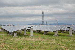 (8)再生エネルギー 再稼働で普…