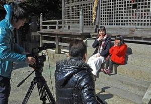 小城市内の名所で行われたショートムービーのロケ=小城町の須賀神社