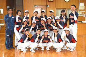 堅実なプレーで戦突破を目指す佐賀県選抜チームのメンバー=唐津市の唐津第一中