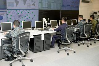 防衛、宇宙やサイバーも一体運用