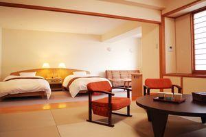 客室は3タイプ。和室と洋室、ゆったりとした和洋室(写真)がある