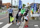 登校見守り、交通安全促す 佐賀県警備業協会青年部会