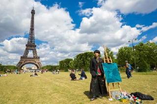 冨永ボンドさん(多久市)パリで初個展