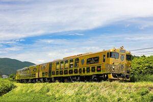 5月15日から佐賀駅発の定期コースを走るスイーツトレイン「或る列車」