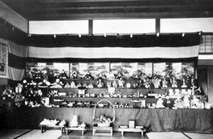 東京・永田町にあった鍋島邸日本館の大雛壇飾り(1892~1900年ごろ)