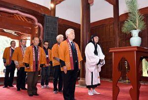 多久聖廟で開かれた昨年の絵馬奉納式=2019年1月、多久市