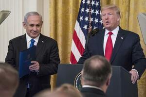 米トランプ大統領(右)とイスラエルのネタニヤフ首相=28日、ワシントン(ゲッティ=共同)