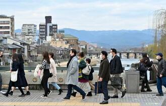 緊急事態宣言、6府県で解除
