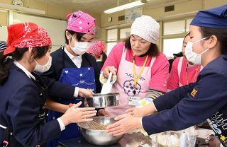 地元住民講師にクラブ活動 神埼市の西郷小