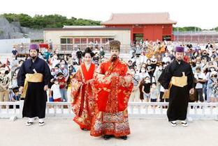首里城祭で伝統芸能披露