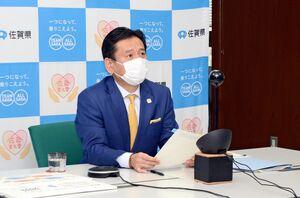 九州地方知事会議で、県境をまたぐ移動自粛の必要性を強調した山口祥義知事=佐賀県庁