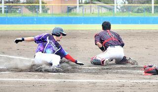 <アマチュア野球>JAさが、機動力で圧倒