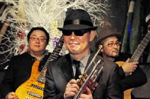 2月17日の前夜祭に出演するJ'z  Craze。中央は佐賀出身の佛坂咲千生さん