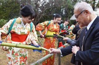 奈良・大安寺で「笹酒祭り」