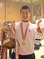 全日本ジュニア選手権で個人総合の頂点に立った石橋知也さん=神埼市の神埼清明高