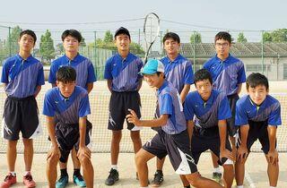 <15の夏輝く~頑張れ!中学総体>大和中男子ソフトテニス部へ