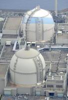 九州電力玄海原発4号機(手前)と3号機=2015年3月、佐賀県東松浦郡玄海町