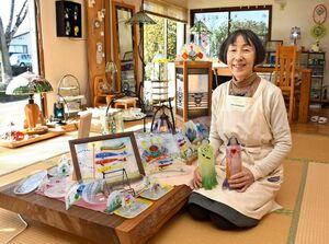 「お雛さまと鯉のぼり展」を開いている石田由美子さん=基山町のアトリエ石田