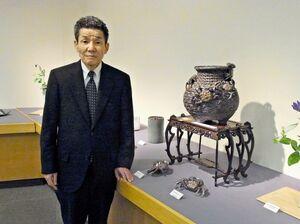 細工物から茶陶まで幅広い焼き物を展示している中野霓林さんの古希記念展=東京都の京王百貨店新宿店