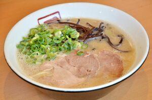 「一作」の豚骨ラーメン(650円)