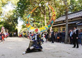 天衝浮立、勇壮に 宇佐八幡神社で5年ぶり