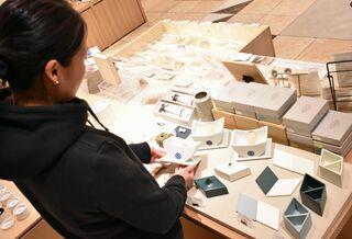 「やきもの文具」人気 5市町窯元と福岡の文具店連携