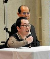 「この施設に入れてよかった」と話す自治会長の山田清一さん=佐賀市金立町の佐賀整肢学園・オークス