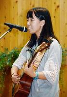 記念コンサートに出演する泉ルナ