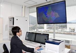 伊万里市全域への整備が完了した防災行政無線の親局=市役所