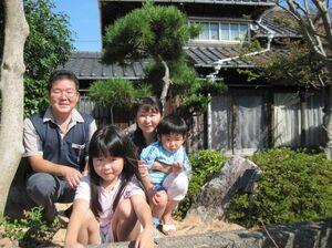 古民家で暮らす松本太志さん一家