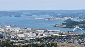 大型クルーズ船の受け入れに向けて、佐賀県が環境整備に乗り出す伊万里港=伊万里市